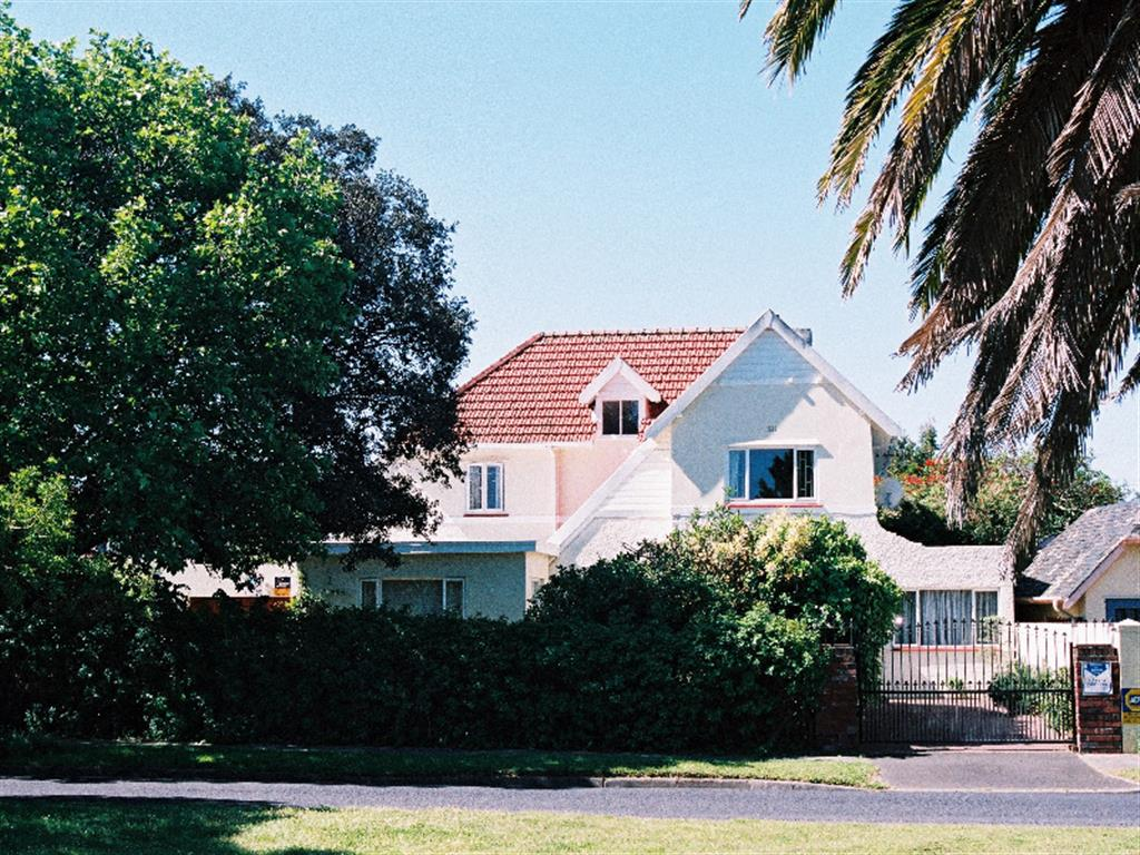 house to rent in pinelands, southern suburbs - 35466